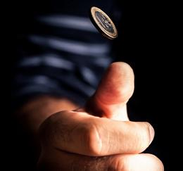 бросаем монеты